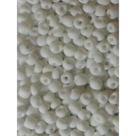 Стъклени мъниста- бели плътни-4мм-50грама