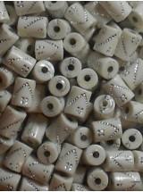 Бели цилиндърчета с камъчета-10мм-50грама