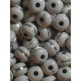 Бели топчета със сребърна нишка-10мм-50грама